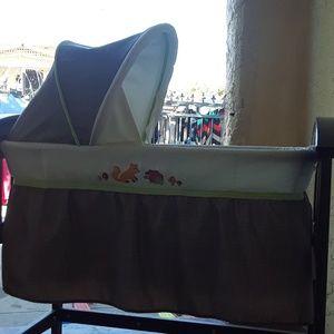 Cuna de bebé usada